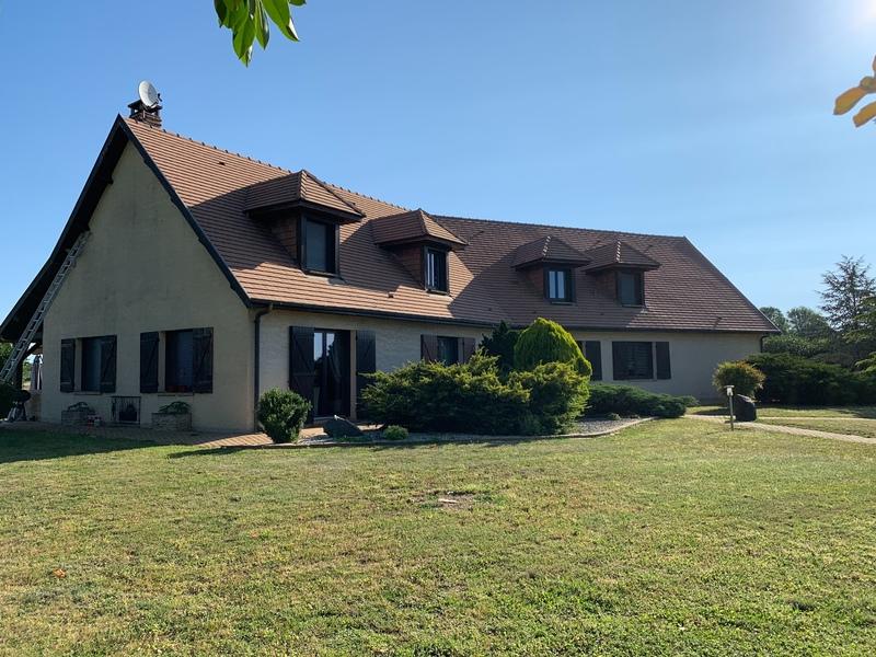 Maison de caractère de 364  m2 - Saint-Dizier (52100)