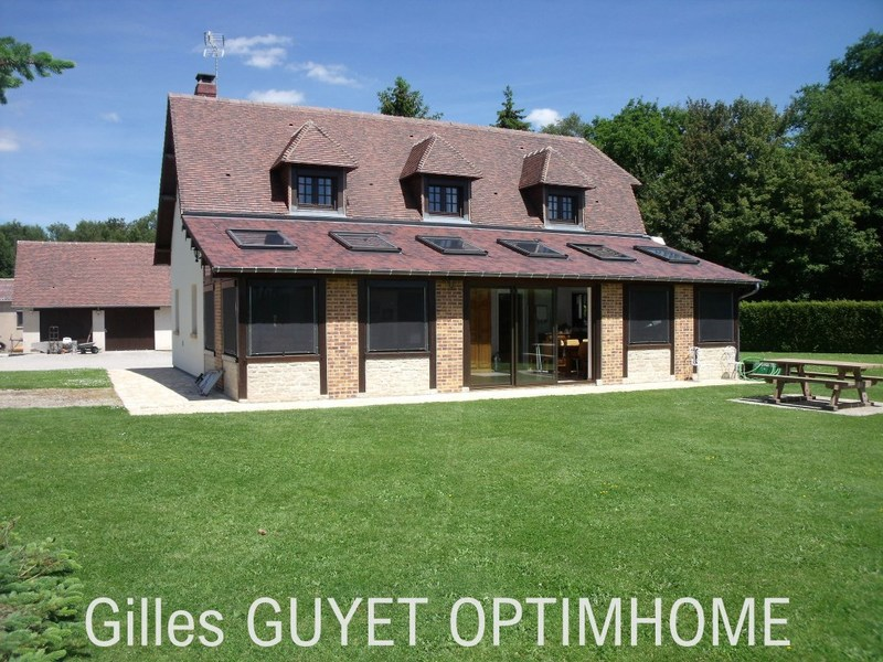 Maison de 150  m2 - Bernay (27300)