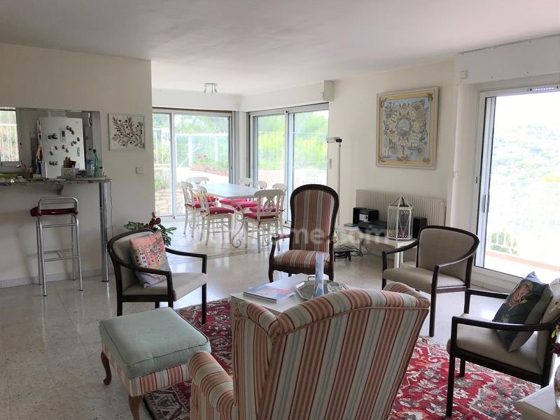 Appartement de 140  m2 - Saint-Mandrier-sur-Mer (83430)