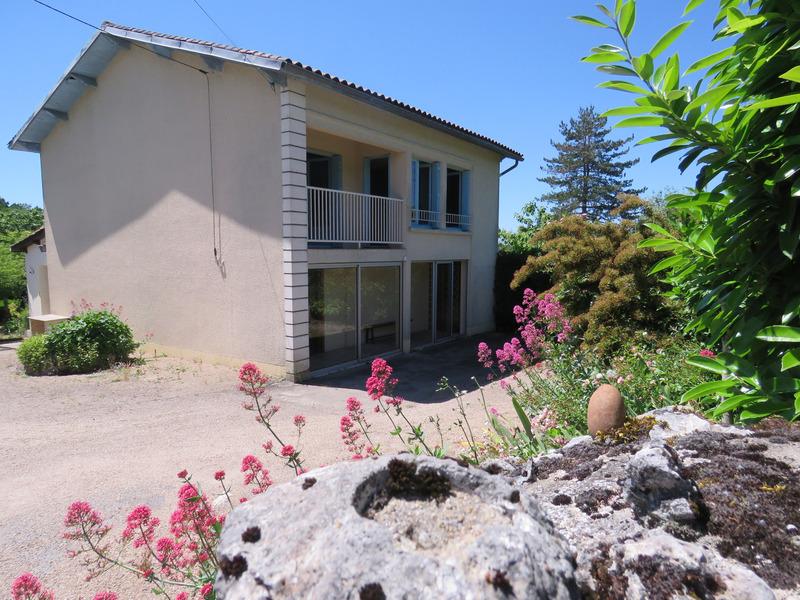 Maison individuelle de 108  m2 - Puymoyen (16400)
