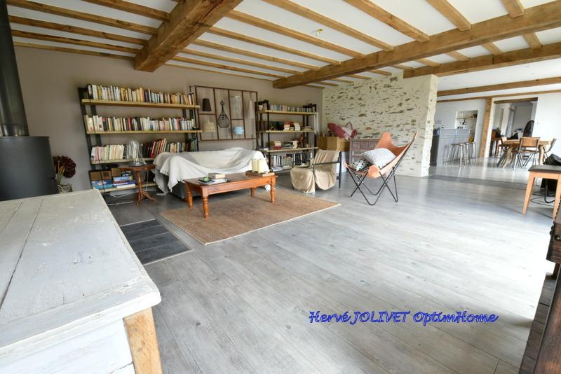 Maison en pierre de 270  m2 - Candé (49440)