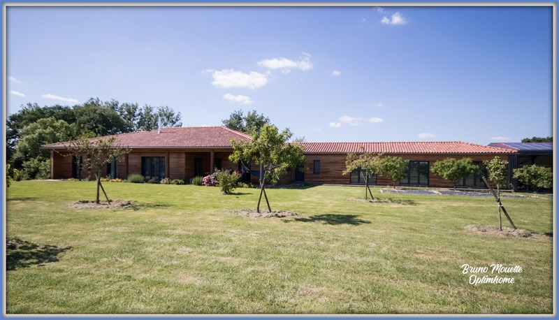 Villa d'architecte de 170  m2 - Mirande (32300)