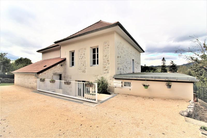 Maison bourgeoise de 150  m2 - Yenne (73170)
