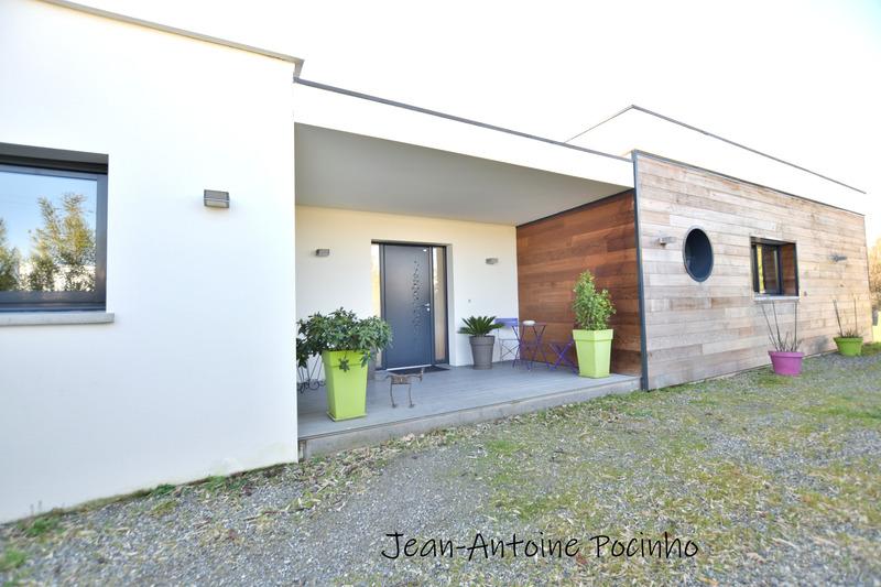 Maison contemporaine de 266  m2 - Muret (31600)