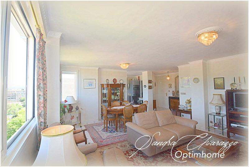 Appartement en résidence de 102  m2 - Aubagne (13400)