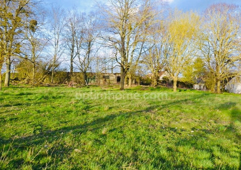 Terrain constructible de   m2 - Beaugency (45190)