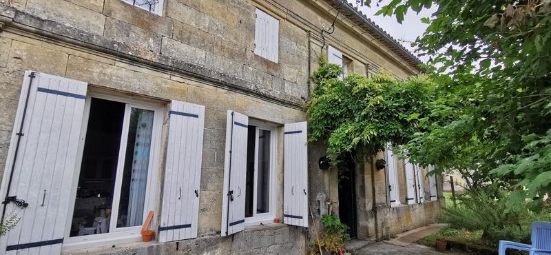 Maison en pierre de 160  m2 - Les Peintures (33230)