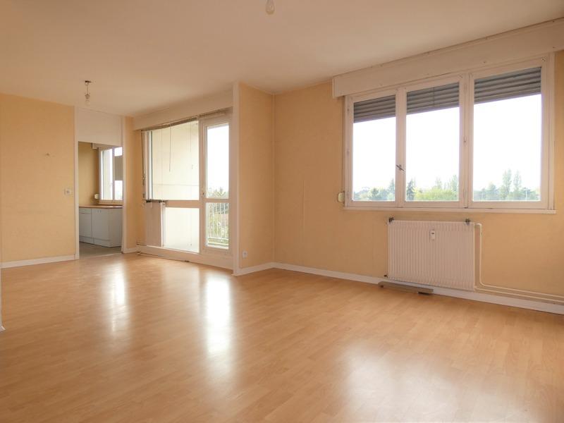 Appartement ancien de 79  m2 - Bron (69500)