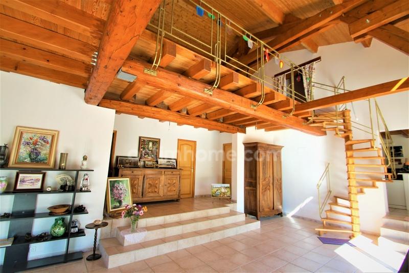 Villa d'architecte de 248  m2 - Digne-les-Bains (04000)