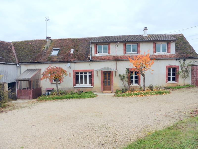 Corps de ferme de 140  m2 - Les Sièges (89190)