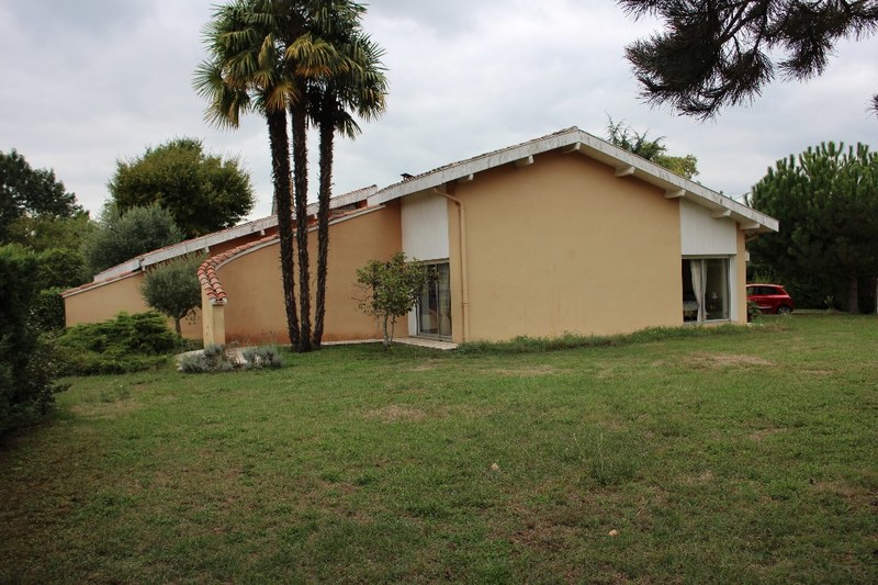 Villa d'architecte de 128  m2 - Gabarret (40310)