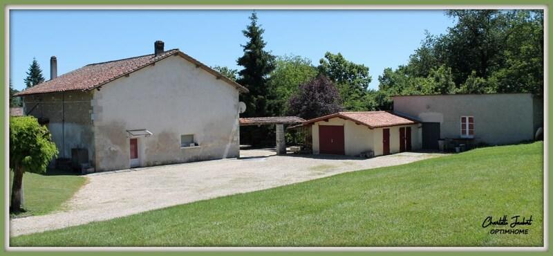 Maison de campagne de 230  m2 - Chalais (16210)