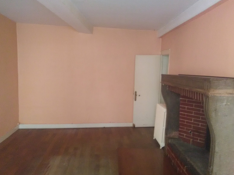 Appartement à rénover de 152  m2 - Gray (70100)