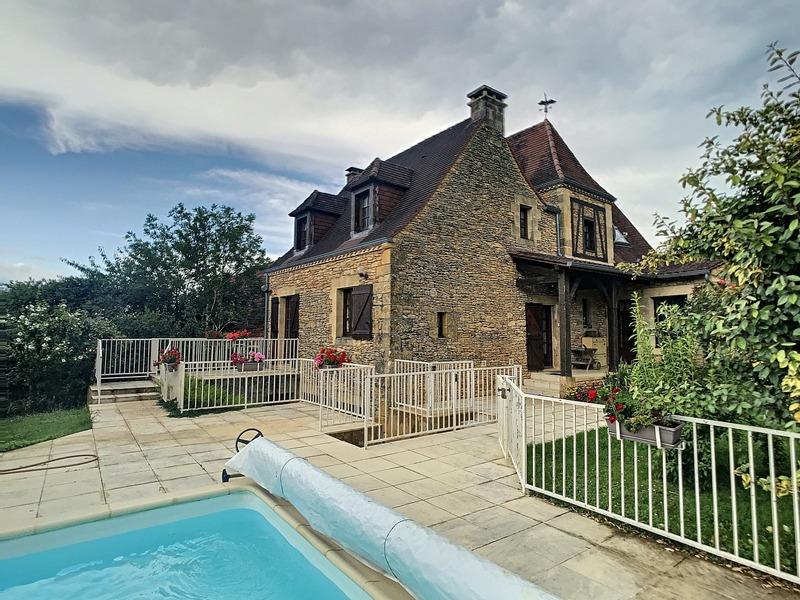 Maison de 188  m2 - Saint-André-d'Allas (24200)