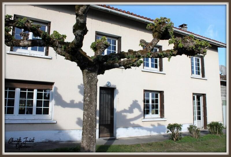 Maison de village de 190  m2 - Aubeterre-sur-Dronne (16390)