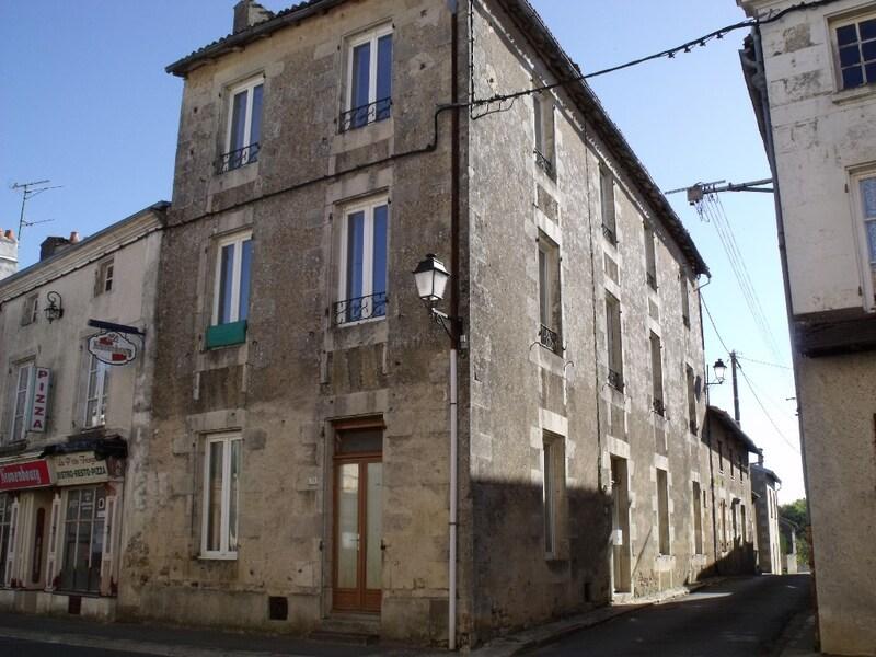 Maison de village de 142  m2 - Sanxay (86600)
