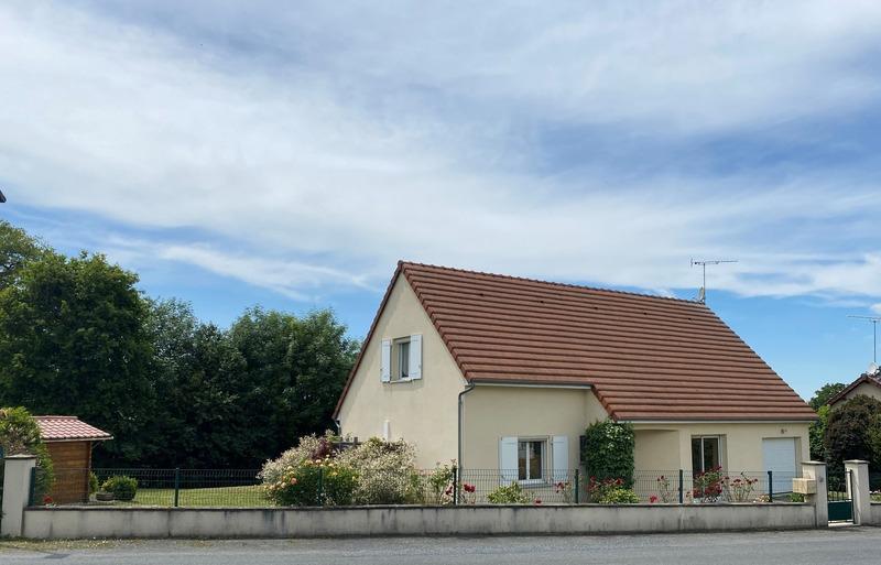 Pavillon de 104  m2 - Dun-le-Palestel (23800)