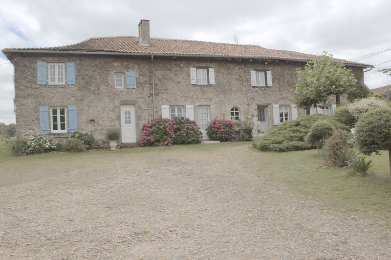 Fermette de 275  m2 - Saint-Auvent (87310)