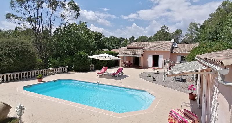 Villa de 127  m2 - Bagnols-en-Forêt (83600)