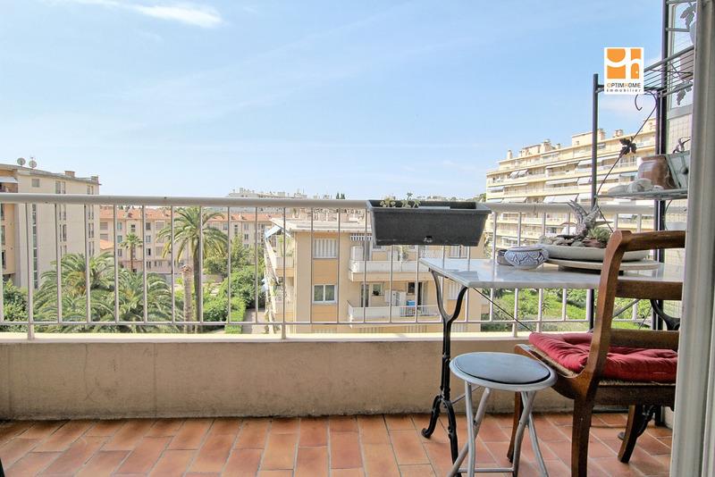 Appartement en résidence de 45  m2 - Nice (06000)