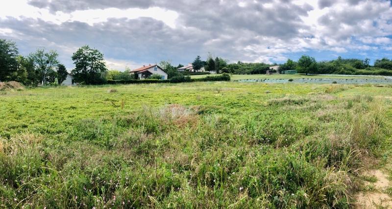 Terrain constructible de   m2 - Issoire (63500)