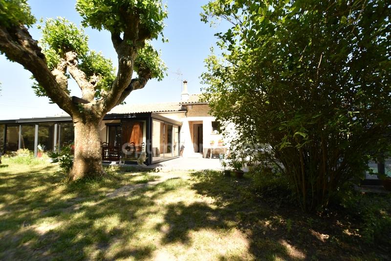 Maison de caractère de 200  m2 - Ambarès-et-Lagrave (33440)