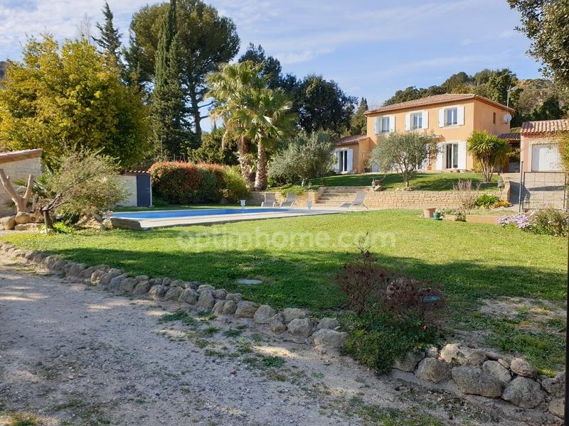 Maison de 145  m2 - Istres (13800)