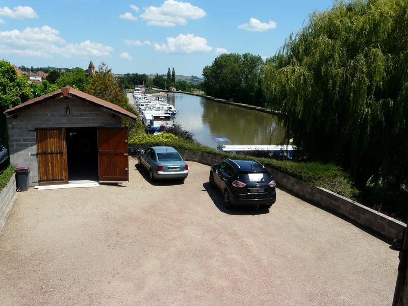 Maison de village de 190  m2 - Briennon (42720)