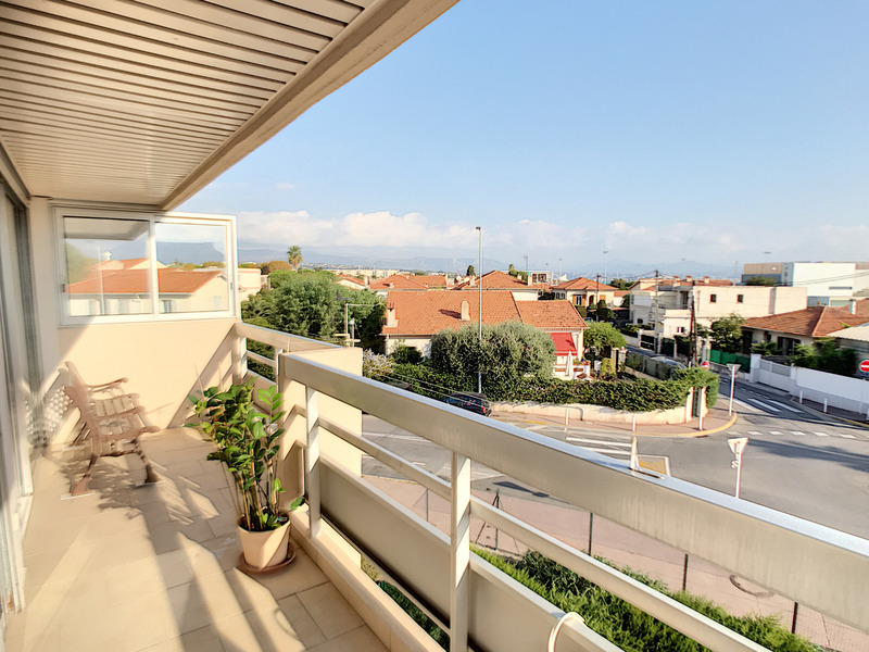 Appartement de 51  m2 - Antibes (06600)