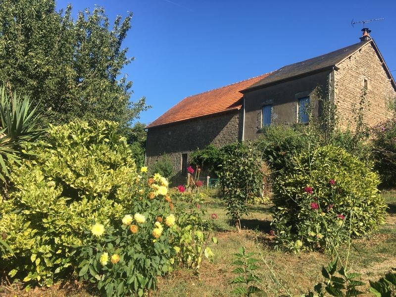Corps de ferme de 70  m2 - Bessines-sur-Gartempe (87250)