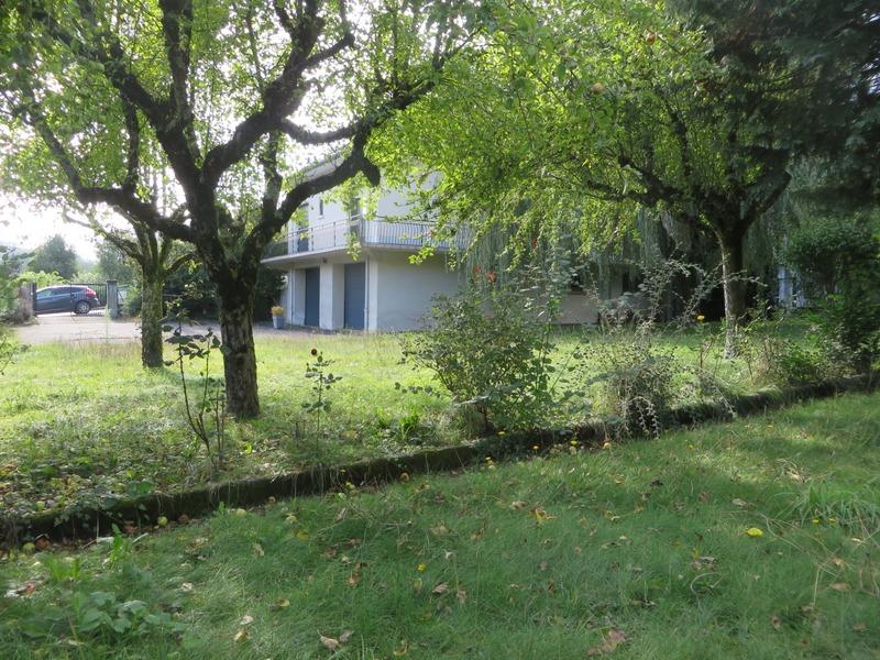 Maison de 220  m2 - Saint-Martin-Valmeroux (15140)