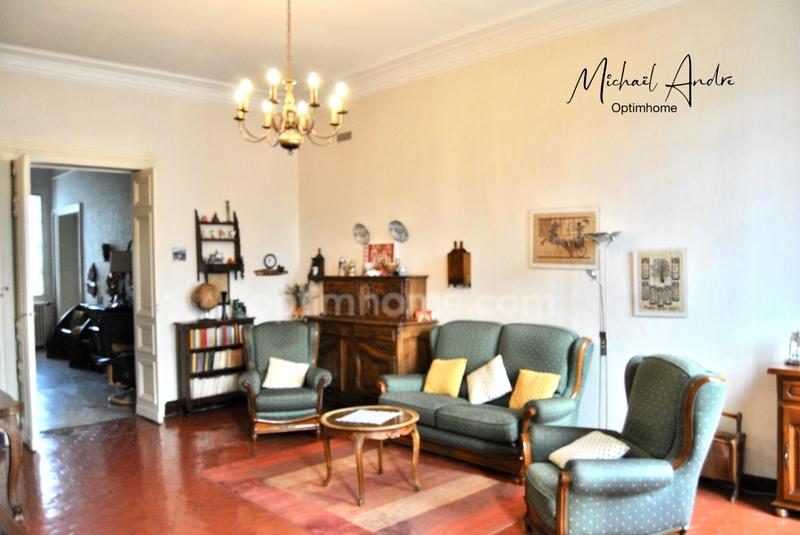 Appartement ancien de 188  m2 - Nîmes (30900)