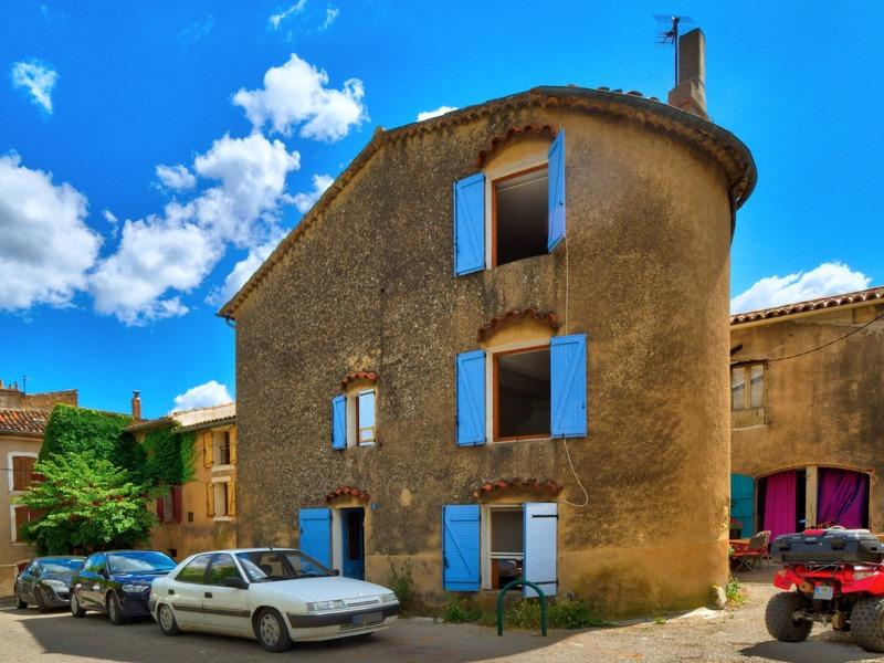 Maison de village de 100  m2 - Aups (83630)