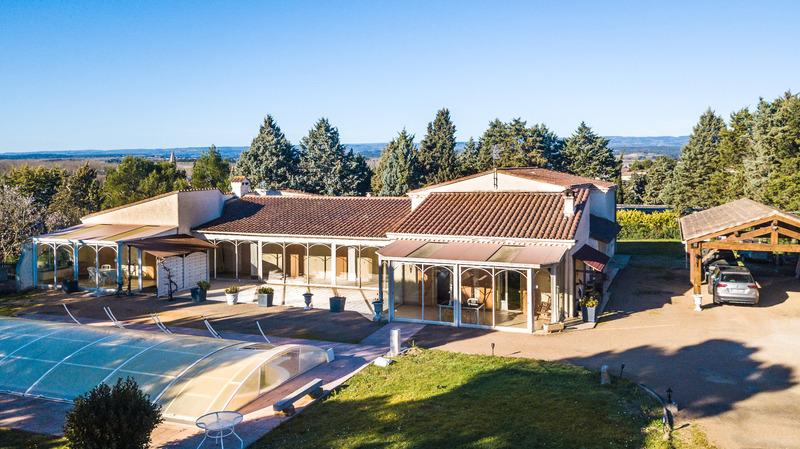 Villa d'architecte de 390  m2 - Carcassonne (11000)