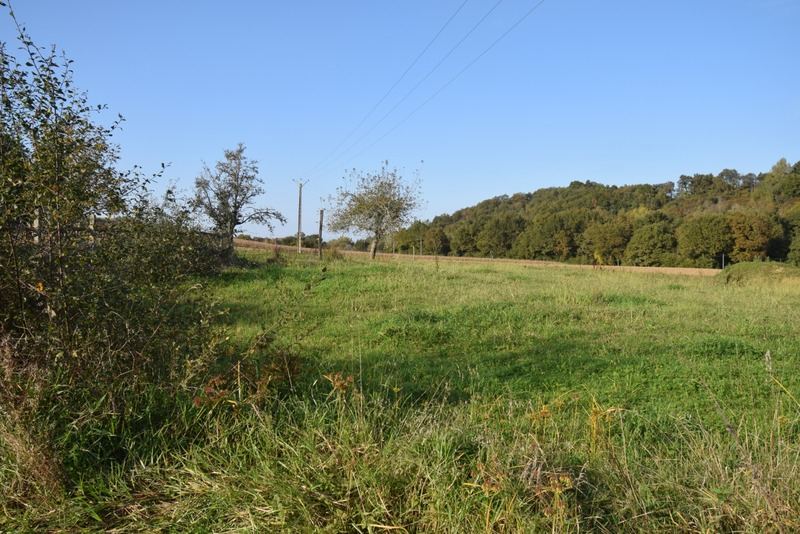 Terrain constructible de   m2 - Lahourcade (64150)