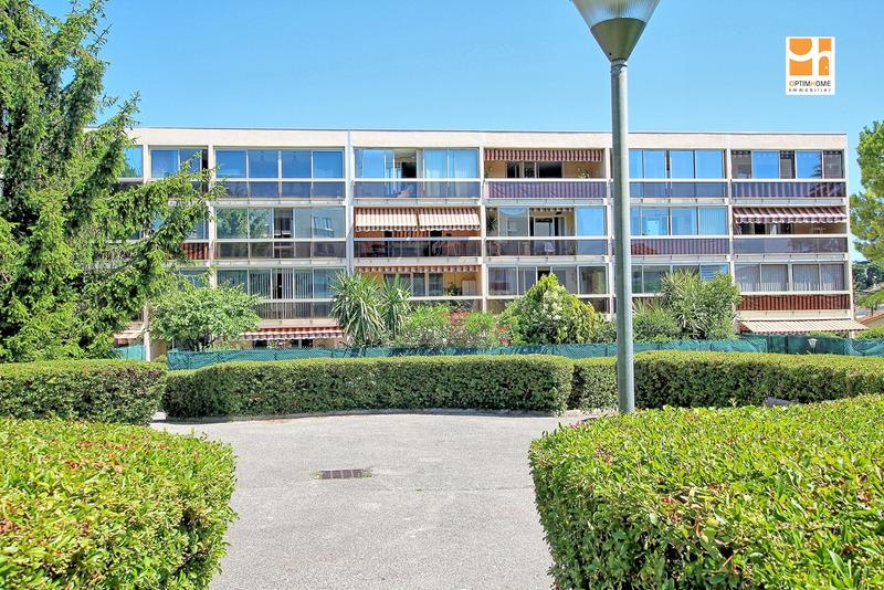 Appartement en résidence de 68  m2 - Villeneuve-Loubet (06270)