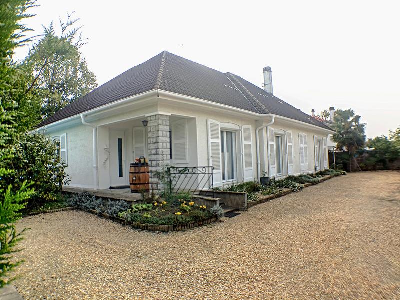 Maison plain-pied de 145  m2 - Billère (64140)