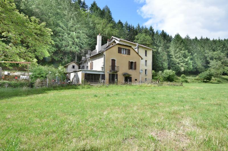 Propriété de 443  m2 - Aurillac (15000)