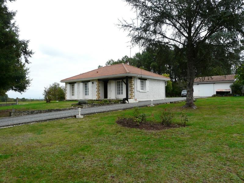 Maison de 90  m2 - La Roche-Chalais (24490)