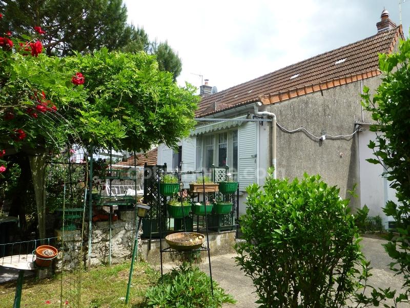 Maison de 107  m2 - Givardon (18600)