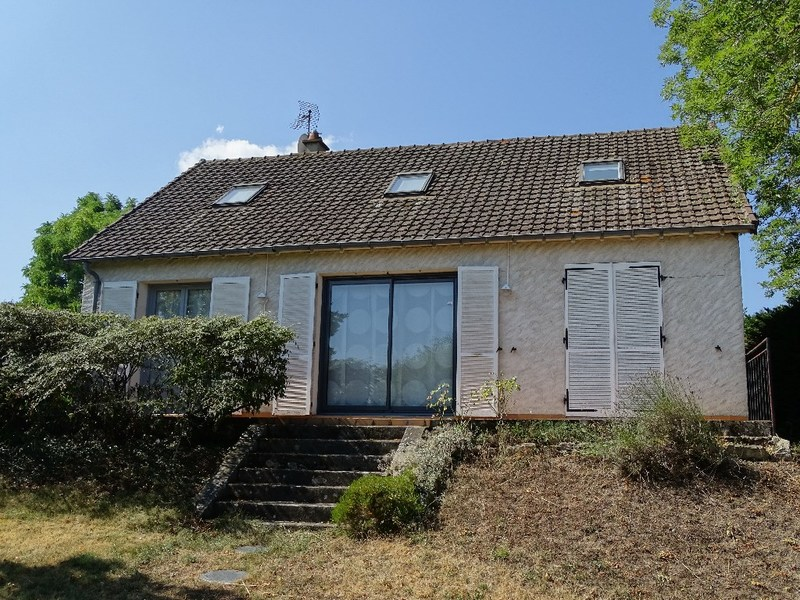 Maison de 130  m2 - Neuvy (03000)