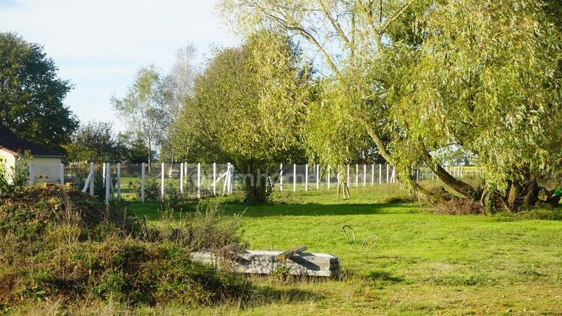Terrain constructible de   m2 - La Loupe (28240)