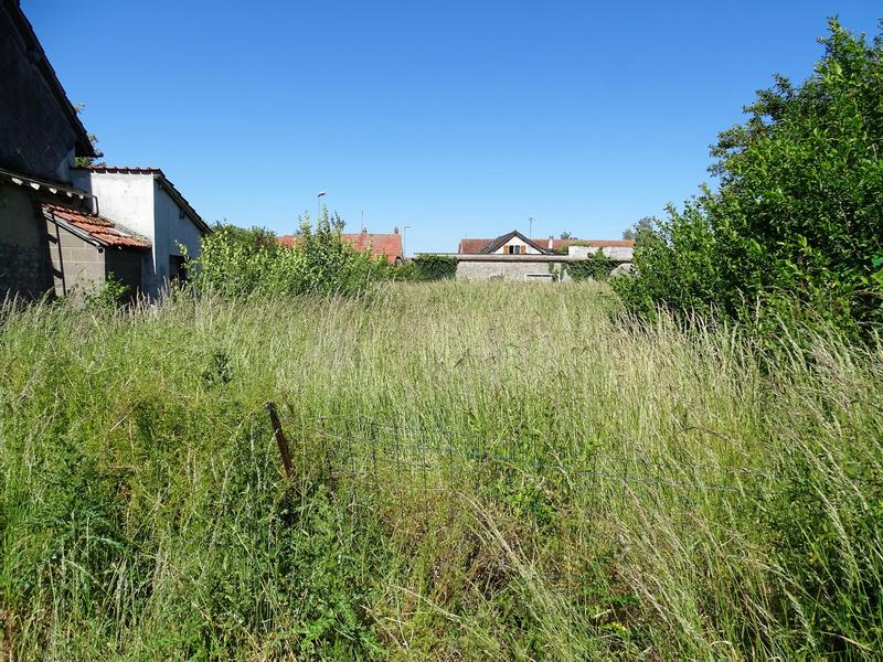 Terrain constructible de   m2 - Chartres (28000)