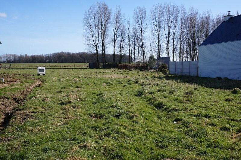 Terrain constructible de   m2 - Bourseville (80130)