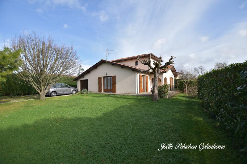 Maison de 111  m2 - Ambarès-et-Lagrave (33440)