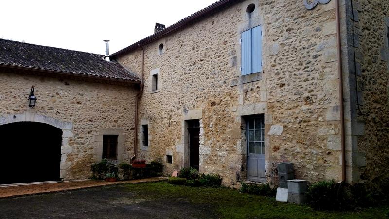 Domaine de 170  m2 - Saint-Martin-des-Combes (24140)