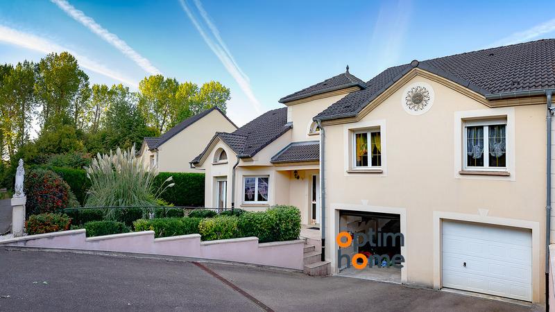 Pavillon de 167  m2 - Thionville (57100)