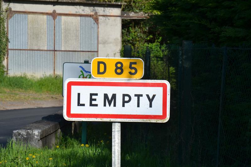Terrain constructible de   m2 - Lempty (63190)