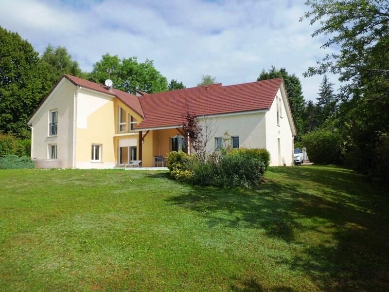 Villa d'architecte de 269  m2 - Charmes (88130)