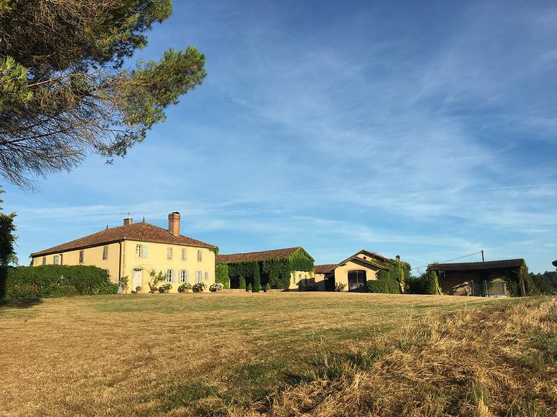 Maison de maître de 375  m2 - Bernède (32400)
